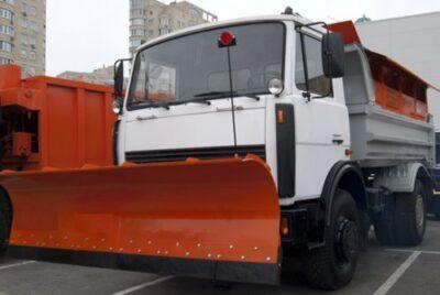 Машина дорожная комбинированная на шасси МАЗ-5550С3 (4x2)