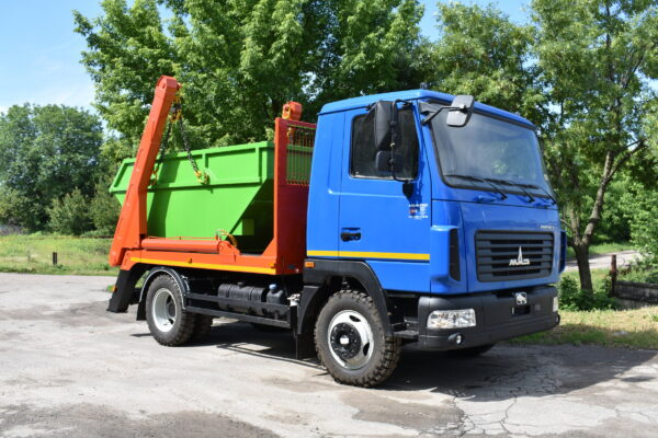Портальный мусоровоз типа АТ-2034 на шасси МАЗ-4371N2