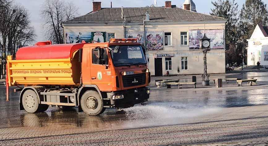 Автомобили производства завода коммунальной техники АЛЬФАТЕКС помогают в борьбе против коронавируса.